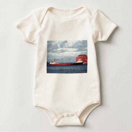 El S.S. legendario Edmund Fitzgerald Body Para Bebé