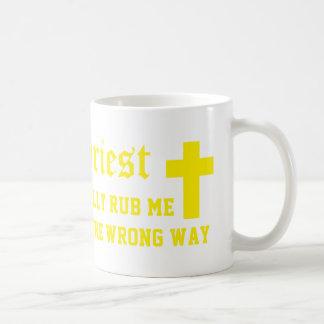 El sacerdote me frota realmente la manera taza clásica