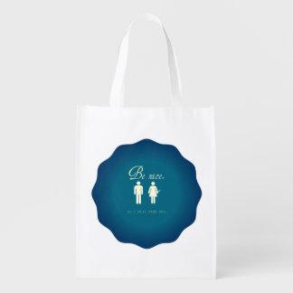 El saco reutilizable del ultramarinos dice a gente bolsas para la compra