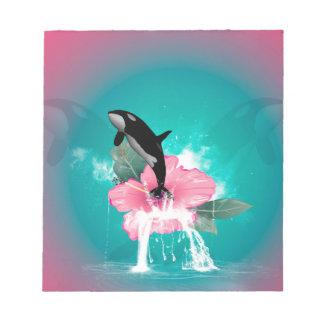 El saltar de la orca de una flor libretas para notas