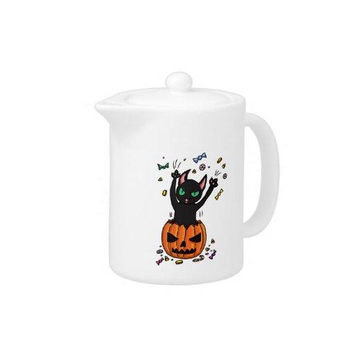 El saltar del gato negro de Halloween de una calab