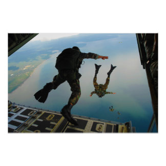 el saltar especial del grupo de las táctica 720h d póster