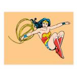 El salto de la Mujer Maravilla Postal