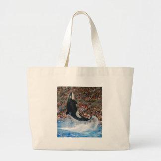 El salto de la orca bolsa
