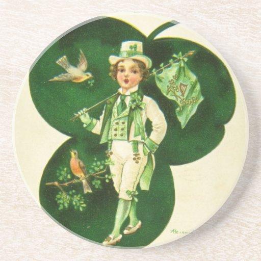 El saludo de St Patrick del vintage Posavasos Para Bebidas