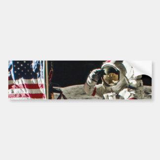 El saludo de un héroe de Apolo 17 Pegatina Para Auto