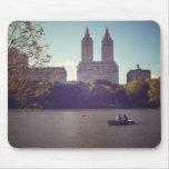 El San Remo visto de Central Park, New York City Alfombrillas De Ratones