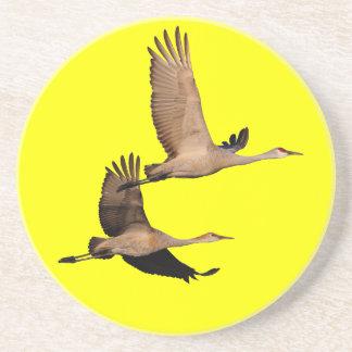 el sandhill cranes en vuelo posavasos cerveza