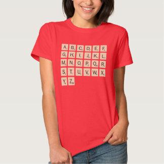 El Scrabble personalizado coloreado de las mujeres Playeras