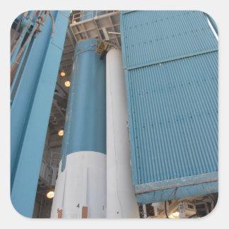 El segundo motor sólido del cohete se traslada al calcomania cuadradas personalizada