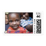 El sello beneficia a huérfanos del SIDA