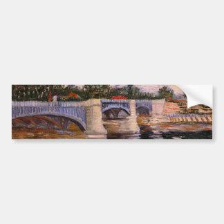 El Sena con el Pont del Grande Jette de Van Gogh Pegatina De Parachoque