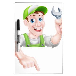 El señalar del fontanero o del mecánico del dibujo pizarras blancas de calidad