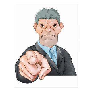 El señalar enojado del hombre de negocios postal