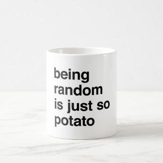 El ser al azar es patata taza clásica