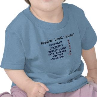 El ser humano del nivel 1 personaliza camisetas