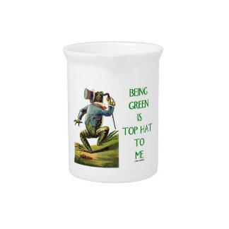 El ser verde es sombrero de copa a mí rana jarra de beber