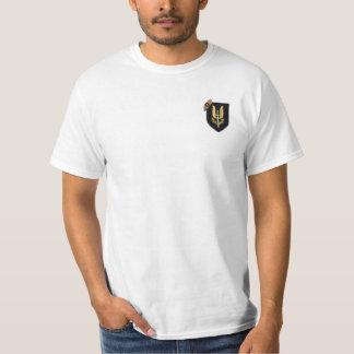 El servicio aéreo especial SAS revisa la camiseta