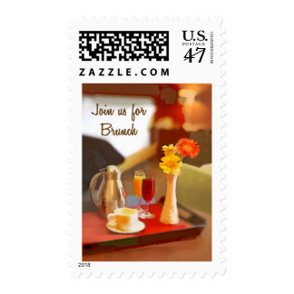 El servicio de café en una bandeja se une a para timbre postal