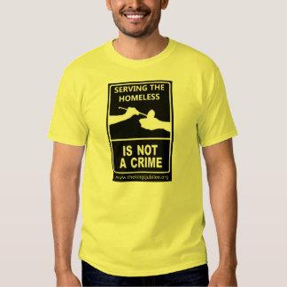 """El """"servicio de los desamparados no es camiseta de polera"""
