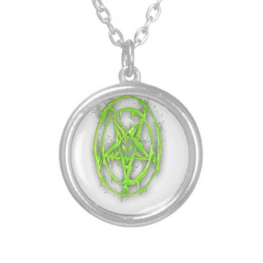 El símbolo egipcio de la buena suerte con verde de colgantes personalizados