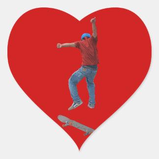 El skater consigue un cierto arte de Kulcha de la Pegatina En Forma De Corazón