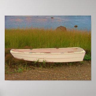 el skiff en los grises de la hierba vara el escond póster