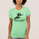 El skydiving político incorrecto camiseta