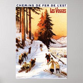El Sledding y esquí en el poster de los Vosgos