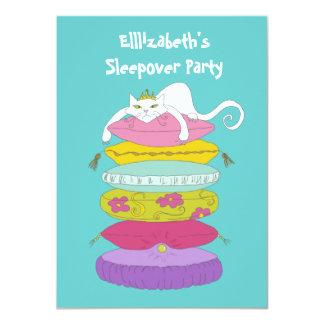 """El Sleepover caprichoso divertido lindo del gato y Invitación 4.5"""" X 6.25"""""""