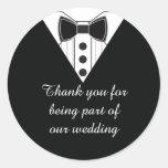 El smoking del boda le agradece favorecer a los pegatina redonda