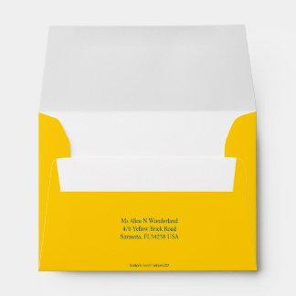 El sobre A6 Mellow remite amarillo