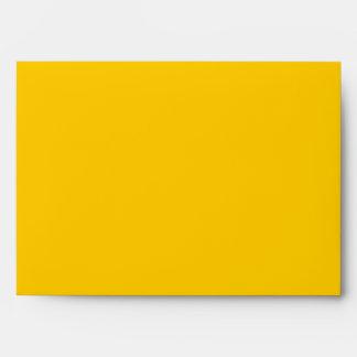 El sobre A7 Mellow el espacio en blanco amarillo