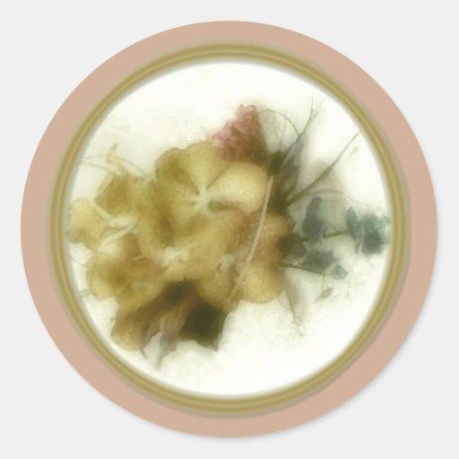 El sobre amarillo de las orquídeas sella 1a etiquetas redondas
