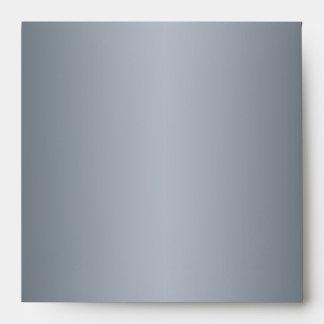 El sobre de plata del remite para el cuadrado invi
