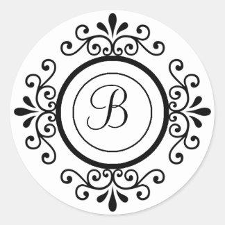 El sobre sella el monograma B para casar Pegatina Redonda