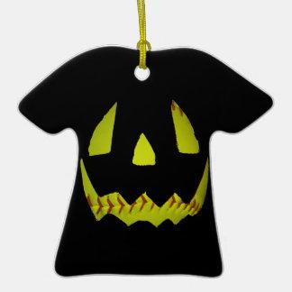 El softball amarillo Jack O'Lantern hace frente Adorno De Cerámica En Forma De Camiseta