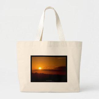 El sol 003 - puesta del sol en las montañas bolsa tela grande