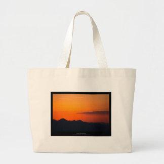 El sol 005 - puesta del sol en las montañas bolsa tela grande