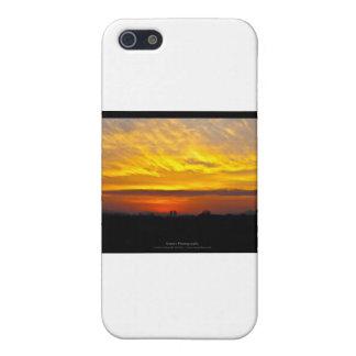 El sol 008 - puesta del sol en la ciudad iPhone 5 carcasas
