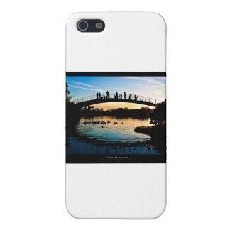 El sol 009 - puesta del sol en la ciudad iPhone 5 protectores
