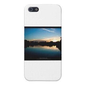 El sol 010 - puesta del sol en la ciudad iPhone 5 carcasa