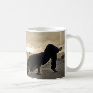 El sol naciente taza de café