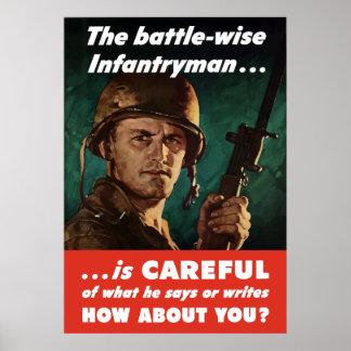 El soldado de infantería tiene cuidado de lo que póster