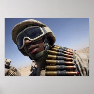 El soldado de primera clase espera su vuelta póster