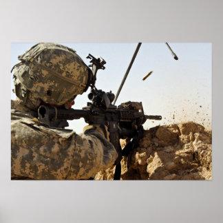 el soldado dedica enemigo de fuerza póster