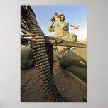 El soldado del ejército explora para la actividad póster