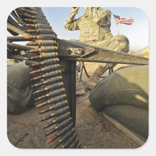 el soldado explora para la actividad enemiga pegatina cuadrada