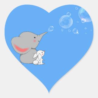 El soplar del elefante bobbles pegatina en forma de corazón