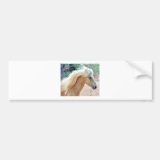 El soplar en el viento etiqueta de parachoque